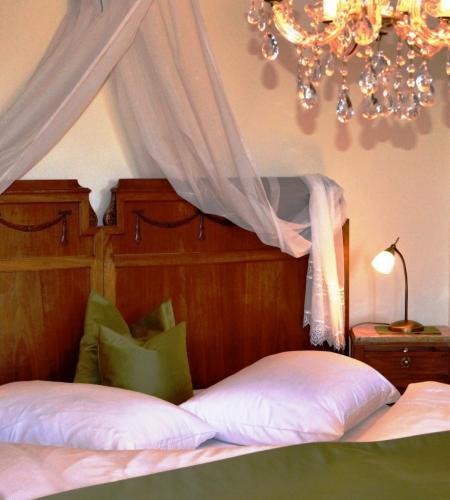 Hochwertige Matratzen und eine stilvolle Einrichtung sichern süße Träüme am Knappenhof Eichberg südsteirische Weinstrasse