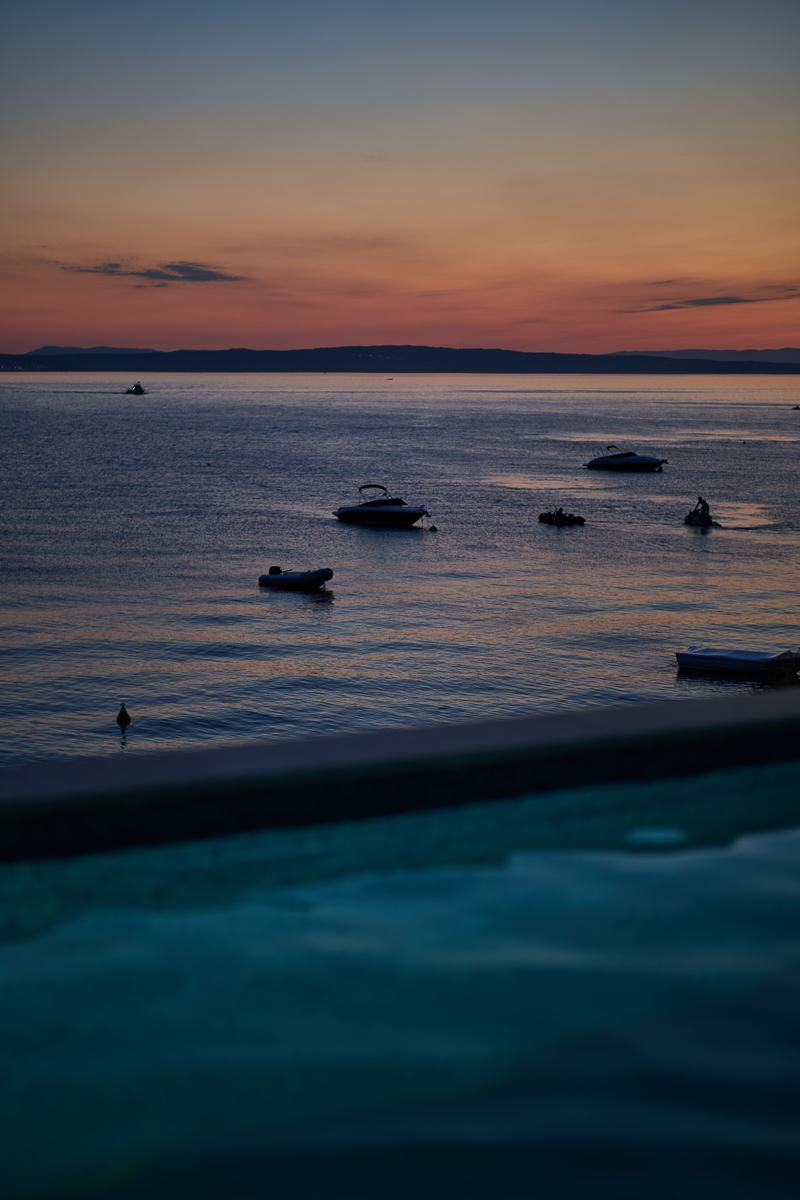 Pool-Abend-beleuchtet