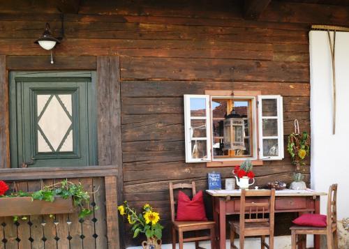 Herzlich Willkommen im Weingartenstöckl am Knappenhof Eichberg! Urlaub mitten im Weingarten bei traumhafter Aussichtslage